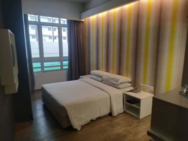 Deluxe Room @ First World Plaza