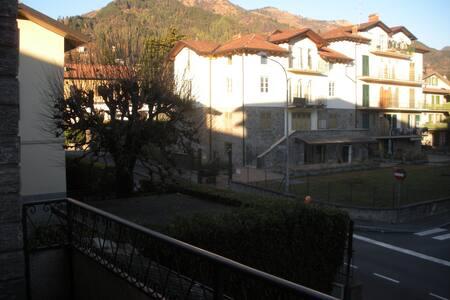 Clusone  appartamento vicino centro - Clusone - 公寓