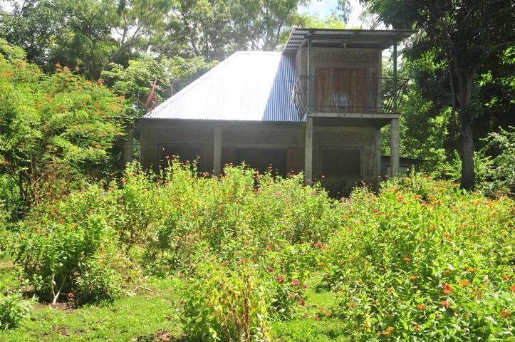 The Lake House - 2 Bedrooms, Beautiful Garden, BBQ - Isla de Ometepe, Nicaragua - Rumah