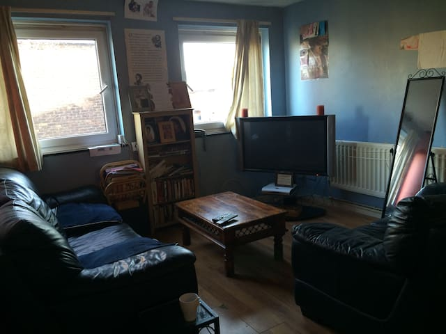 Apartment in vibrant Brixton!!!