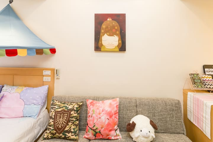☆45secs To Ximen MRT☆ Cozy Apt☆Free 4G Pocket Wifi