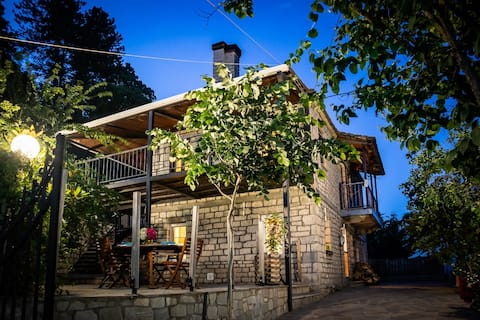 Zagori traditional house, Jacuzzi and amazing view