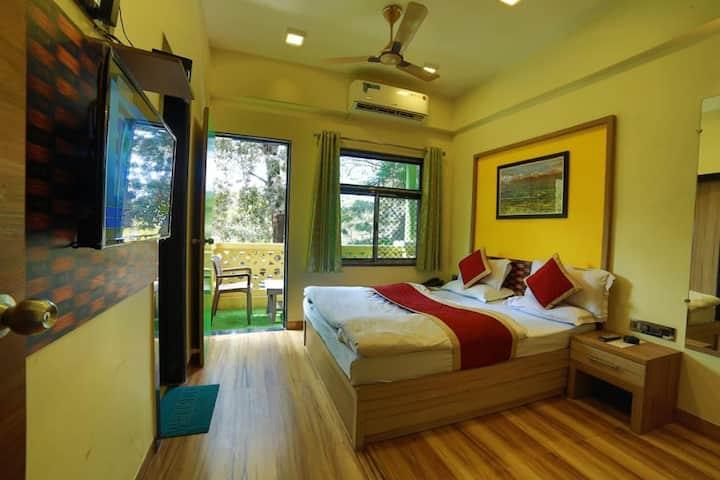 Deluxe A/c Room @Hotel Vishram