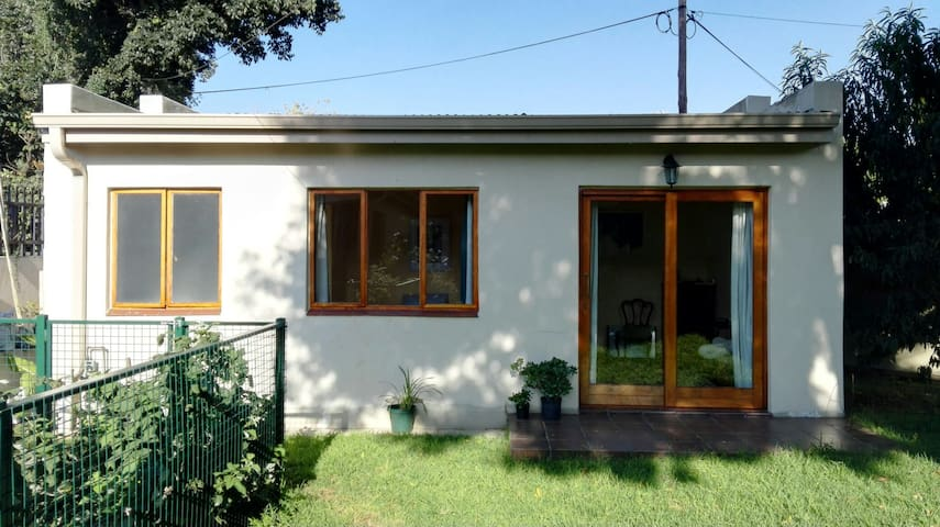 Peach Tree Cottage - Boksburg - Apartamento
