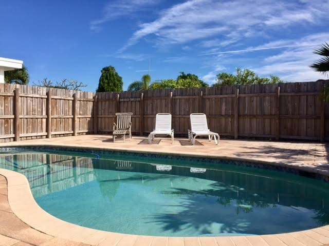 Gorgeous pool for you to enjoy with your BBQ.