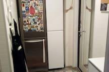 Прихожая вид из комнаты , Холодильник Мини шкаф