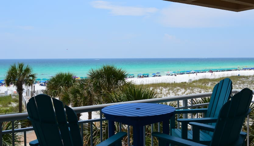 Destin Towers 33 HGTV Worthy- Remodeled Beachfront