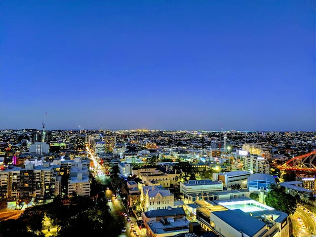Amazing Brisbane City Views in a great location.