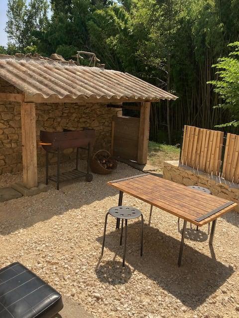 Maisonette cosy et rustique en Provence