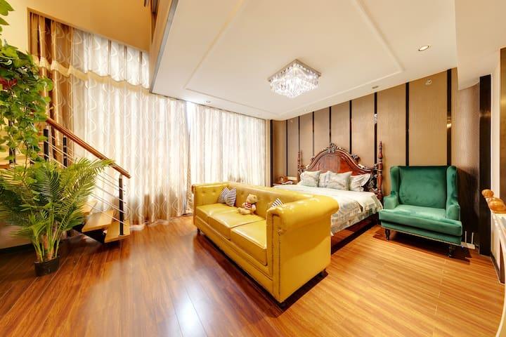10# 【可月租可长租】【无中介费】步行到天安门位于前门豪华五星级复式轻奢 LOFT 公寓 四张床