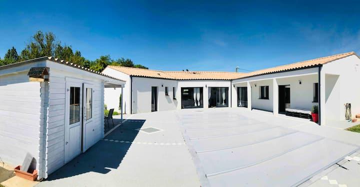 Maison avec piscine chauffée, 7 pers, 4 chambres