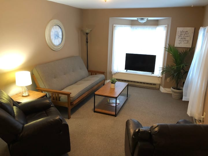 Perfect Saratoga Location - Cozy 1 Bedroom Apt