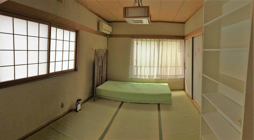 Near Umeda(Osaka), Japanese traditional house