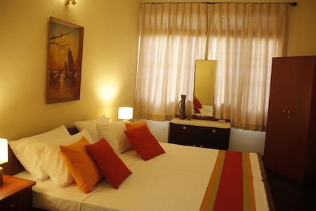 Colombo 5-Charming room in large house with garden - 科倫坡
