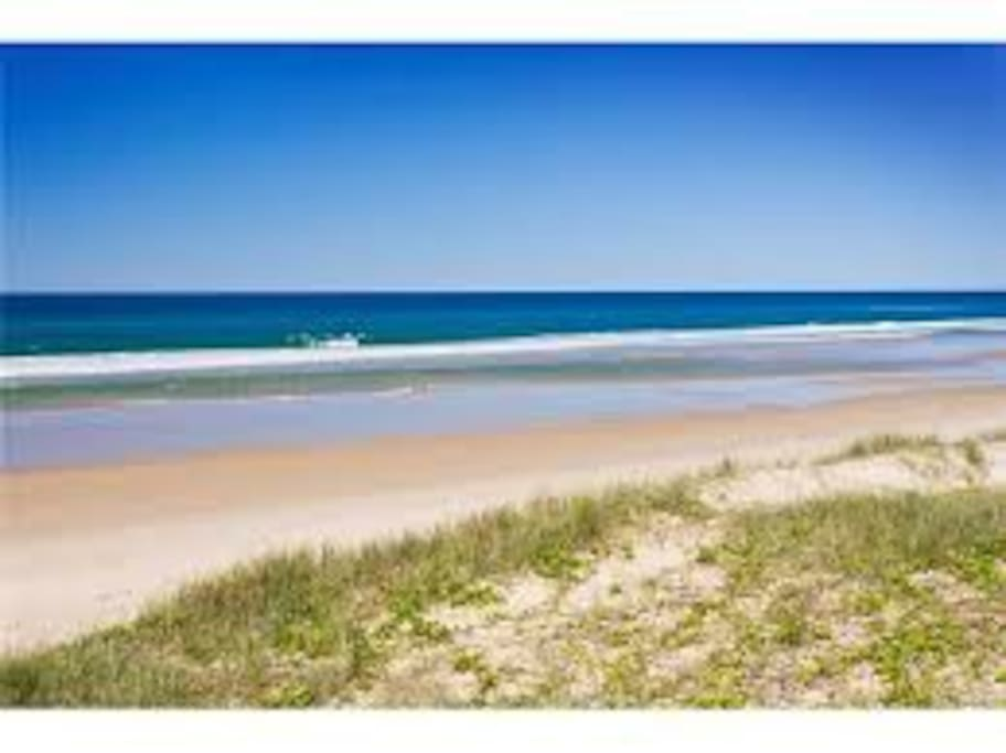 The beach track opposite is 50m to Marcus Beach. Walk 1km along the beach to the restaurants, cafes and shopping at Peregian Beach Village.