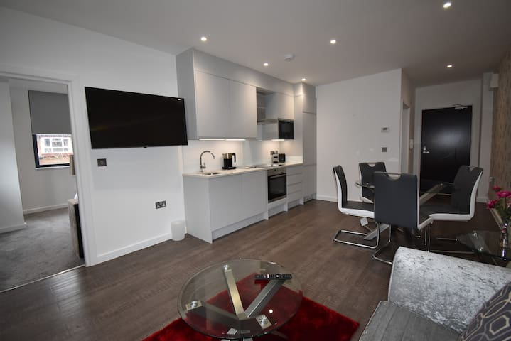 Shortletting by Centro Apartments - Milburn House MK - No. 6