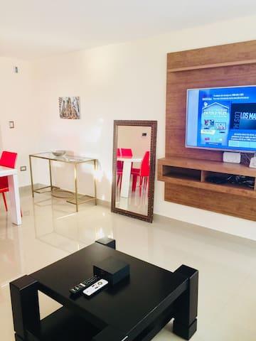 Modern 2-Bedroom Apartment in Manta, Ecuador
