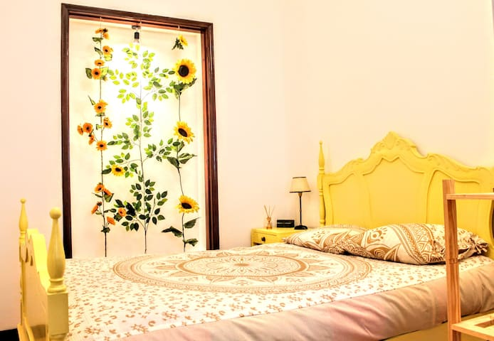 Luz Backpackers - small room with WC, city center