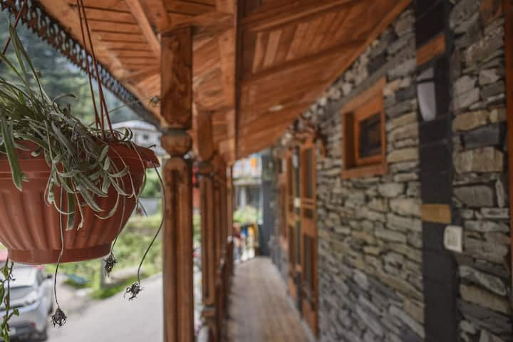 3 Duplex Traditional Home | Cafe | Amazing Jibhi