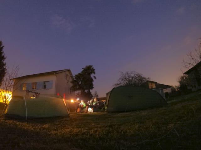 """Emplacement de camping """"comme à la maison"""""""