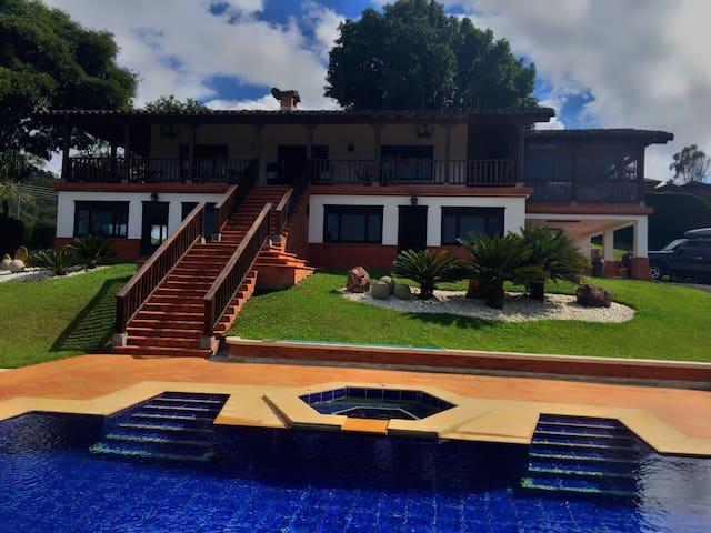 Hermosa Casa en el Lago Calima 1A para disfrutar