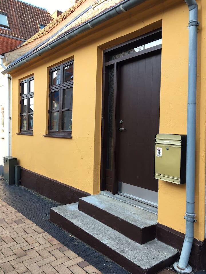 Huset set fra Klostergade