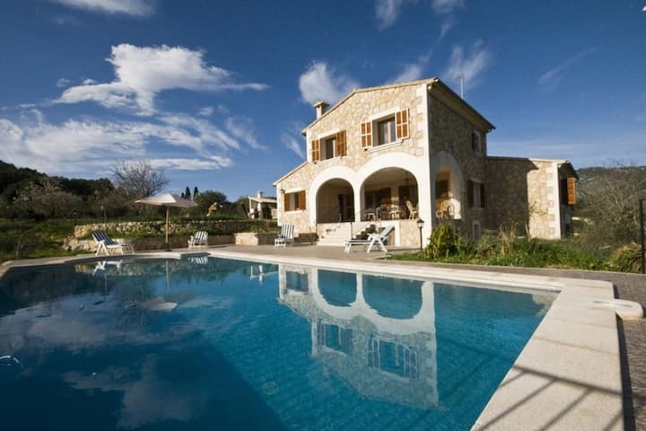 Amazing country house with panoramic views of the Tramuntana mountains