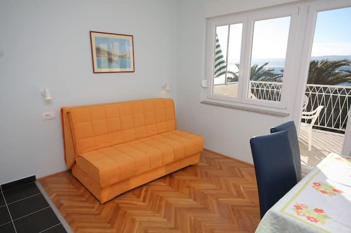 One bedroom Apartment, beachfront in Duce