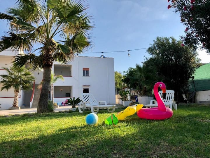 • Case Playa Holiday Homes ideal for groups Parkin