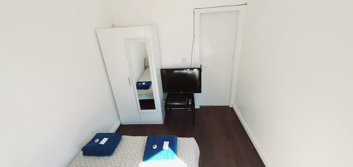 No4. Double room B&B town centre