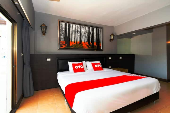 Pom Pom (Attractive discounts on long stays)