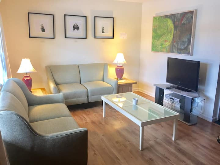 Poolside Condo in Downtown Durham