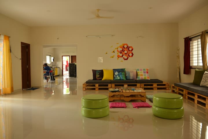 Modern & Spacious Dorms @ Beehive Co Living_Honey