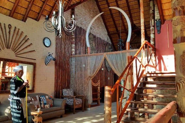 African style Lion thatch room - Midrand