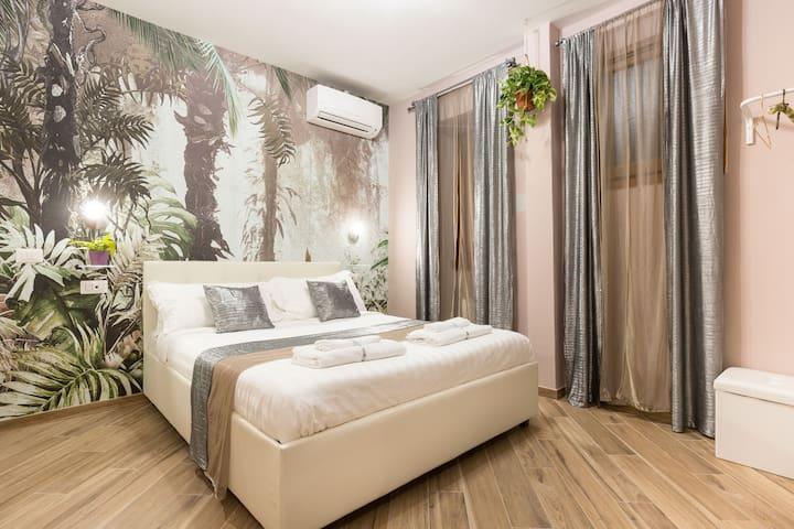 Urbana Little Suite