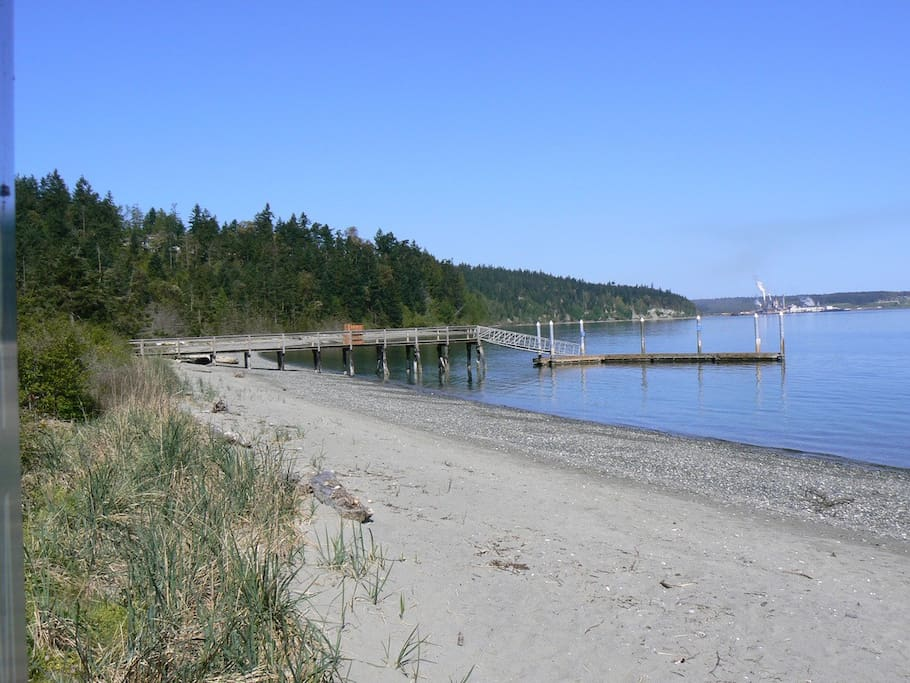 One and a half mile community beach