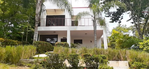 House with private pool and gardens in Montezuma