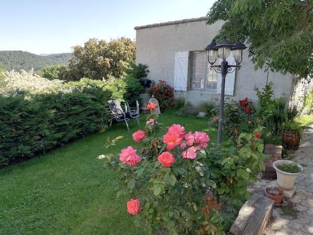 guest housse paisible en Provence près du ventoux