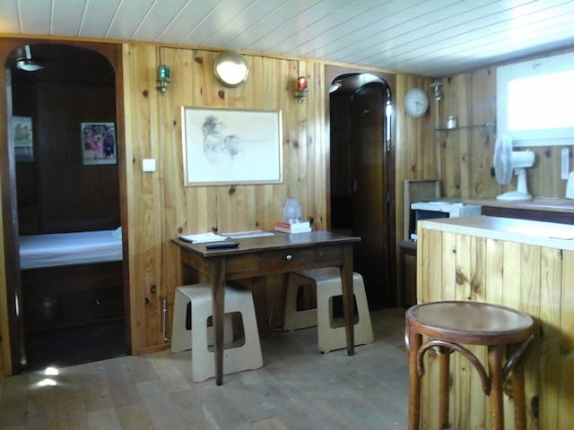Logement du marinier sur péniche - Aigues-Mortes - Tekne