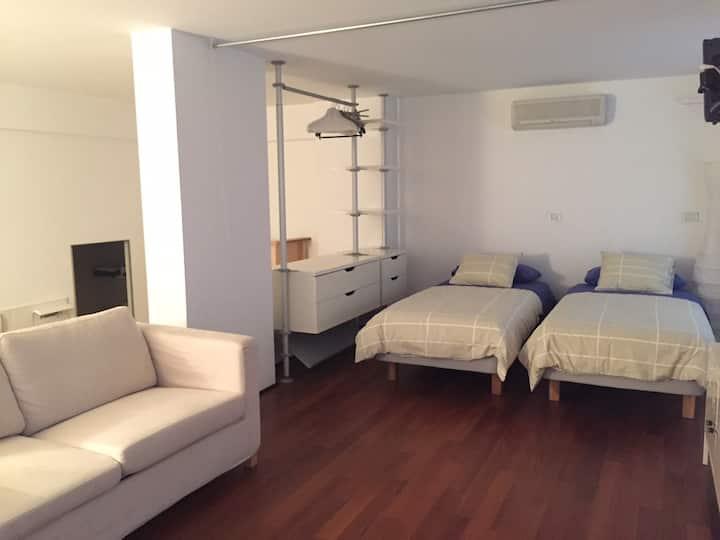 1. Orangeloft between sea&city center