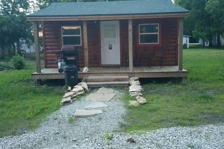 D&C Cabins - Pleasanton - Casa