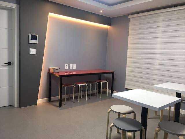 [대전역] '위딘, Withinn' 게스트하우스 _ Room 1&2 Dormitory - Jung-gu - Pensió