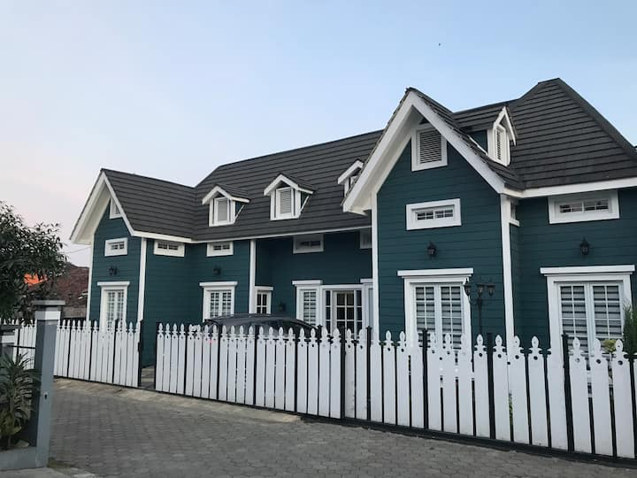 Beautiful Europe-Style, Belgareti House @Lembang