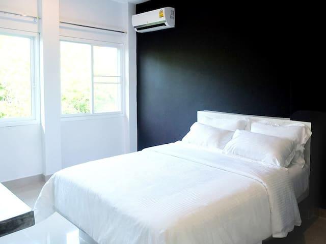 Koh Tao 2 bedroom Sea&Mountain View Modern&Quiet B