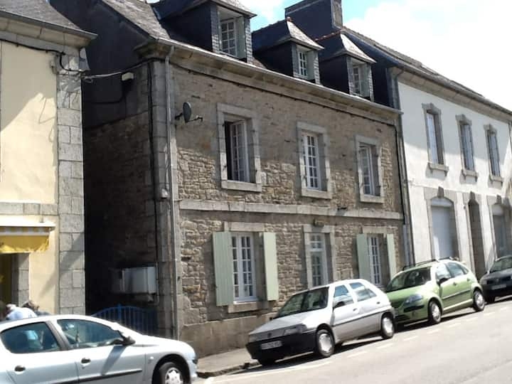 Grand Maison  with 4 bedrooms (READ SUMMARY)