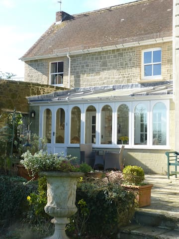 Chantry Cottage where town and country combine - Shaftesbury - Casa