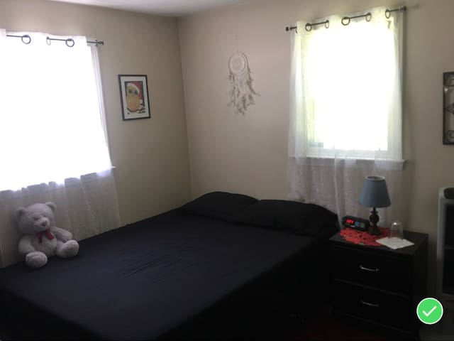 Room for 2 with Private Bathroom Canobie Lake Park
