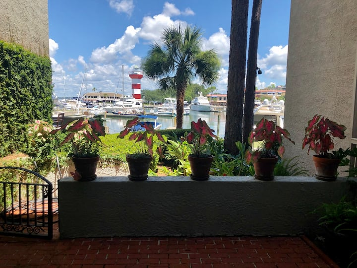 Harbour Town Condo with Waterfront Patio