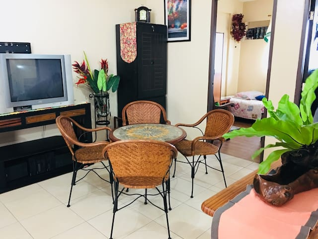 Fully Furnished 2 BR Condo Unit, Quezon City
