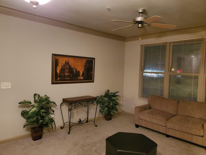 Amazing City View Home- Room B  [Amazing Deal!!]